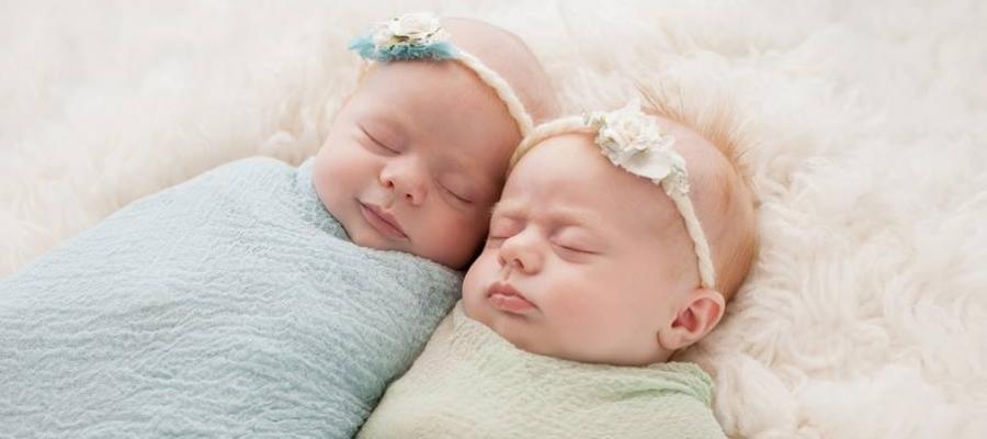 5 Mitos & Fakta Seputar Bedong Bayi. Bunda Percaya?