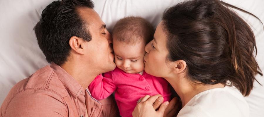 Main Image: Bayi Mirip Ayah atau Bunda, Ini Penyebabnya